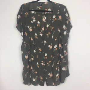 TORRID BUTTON DOWN SLEEVES TOP WITH SZ 3
